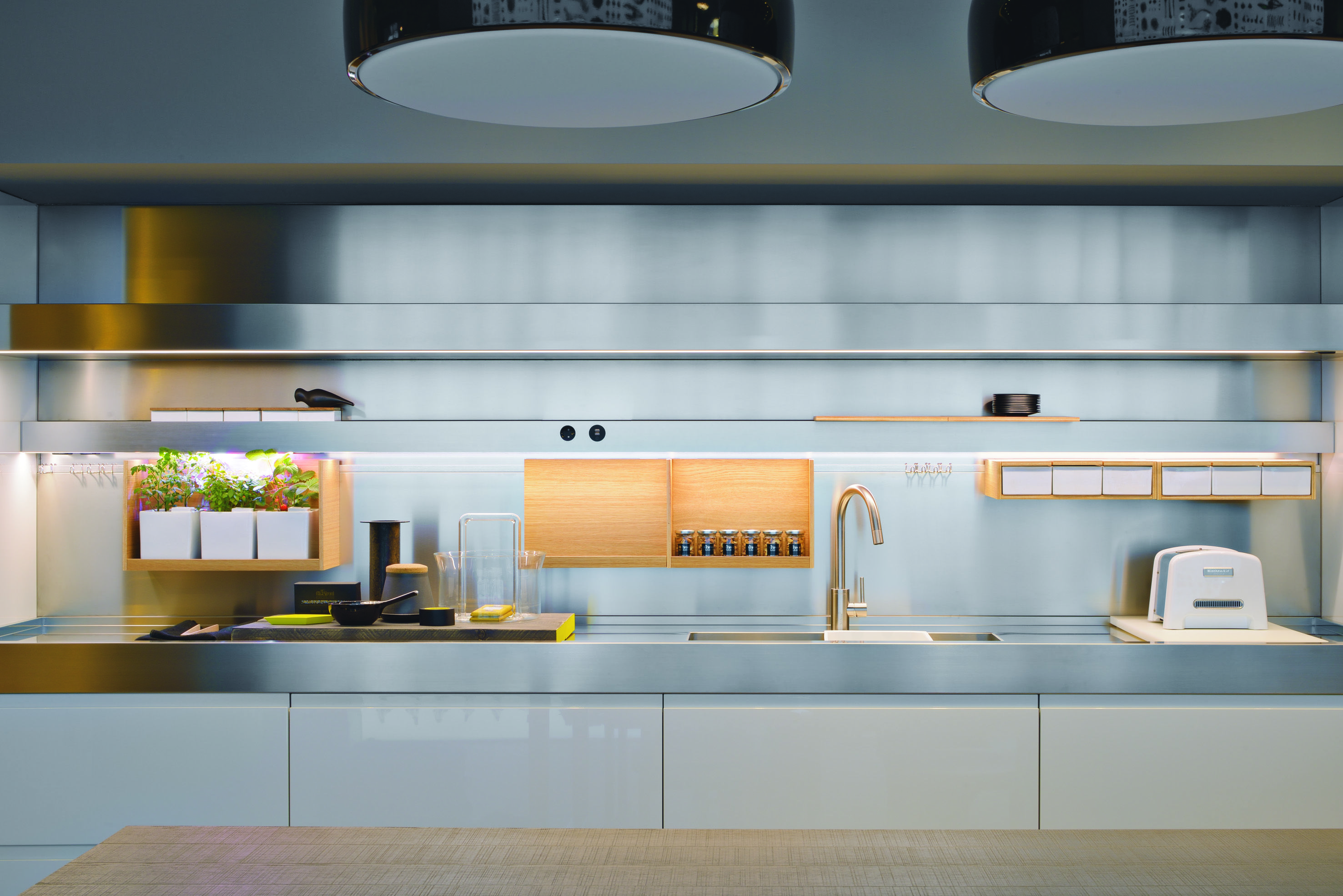 Did you know the backsplash and shelving in your Arclinea kitchen ...