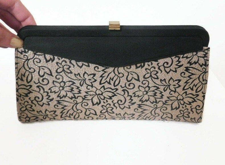 Vintage Garay Black and Gold Metallic Floral Clutch Purse - Vintage Purses, Clutch Purses, Evening Bags, Mid Century Clutch#bags #black #century #clutch #evening #floral #garay #gold #metallic #mid #purse #purses #vintage
