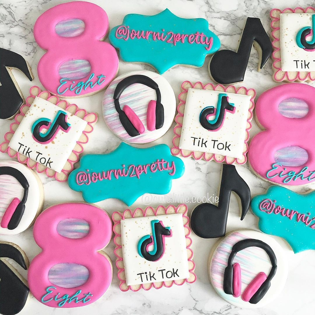 Kayla Rodriguez S Instagram Profile Post Tik Tok Birthday I Loved These Bri Unique Birthday Cakes Kids Themed Birthday Parties Girls Birthday Party Themes