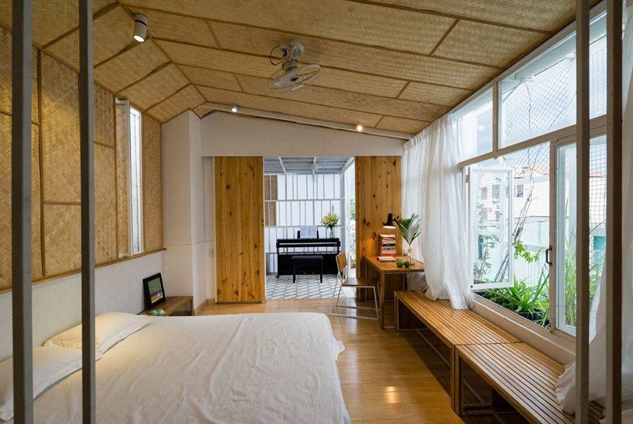 ห องนอนบ ฝ าเพดานทำจากไม ไผ สาน Narrow House Plans Airbnb Design House
