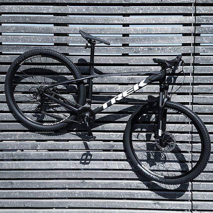 Das Neue 2019er Trek Marlin 5 29 Mtb Einsteigermodell Mit Hydraulischen Scheibenbremsen Gut Und Gunstig Now Available Trek Bikes Fixed Bike Bicycle