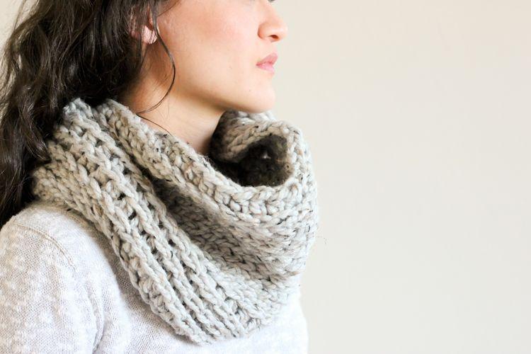 Free knit look crochet cowl pattern // Delia Creates | Knitting ...
