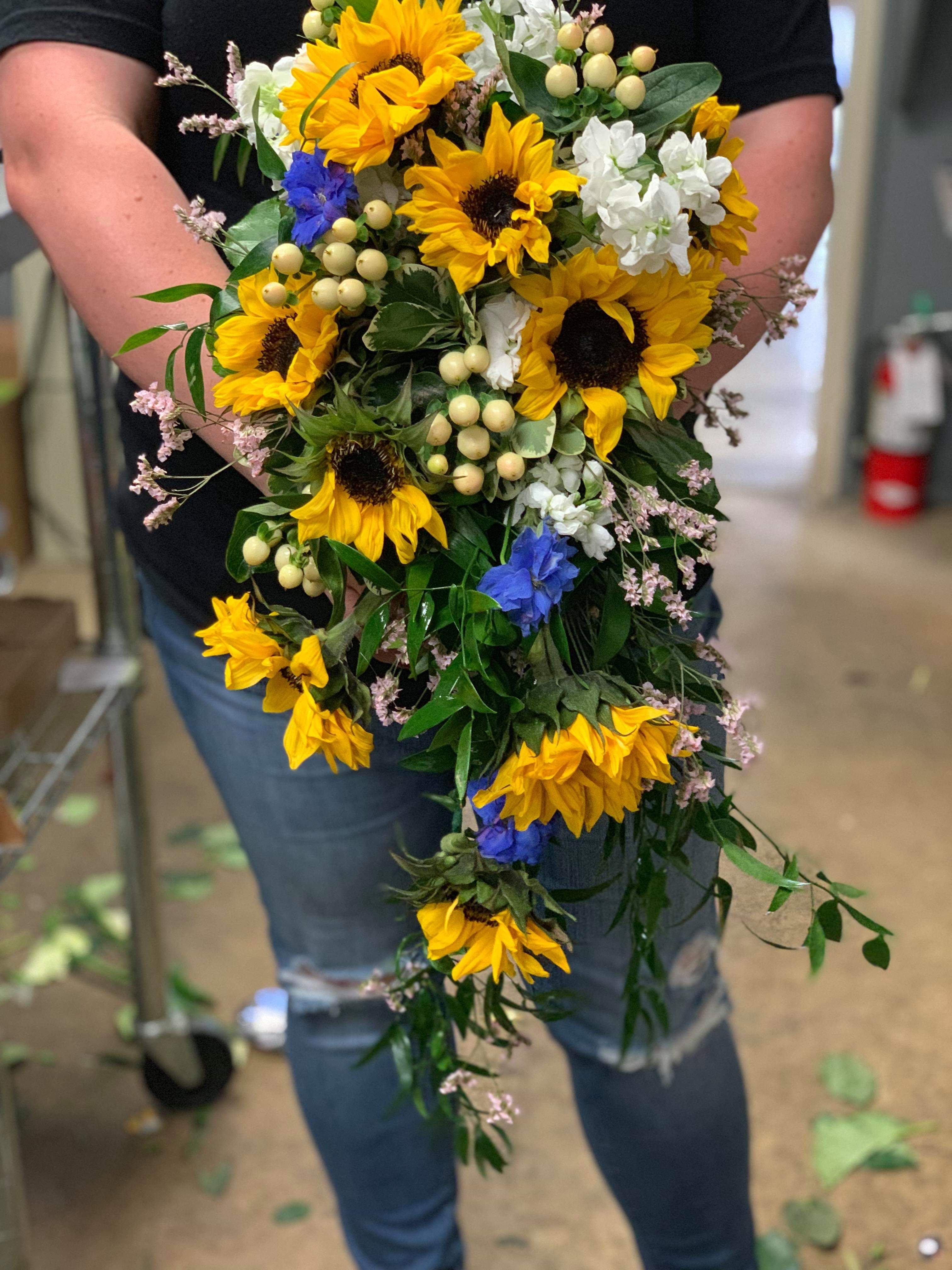 sunflower bouquet, sunflower wedding, wedding bouquet