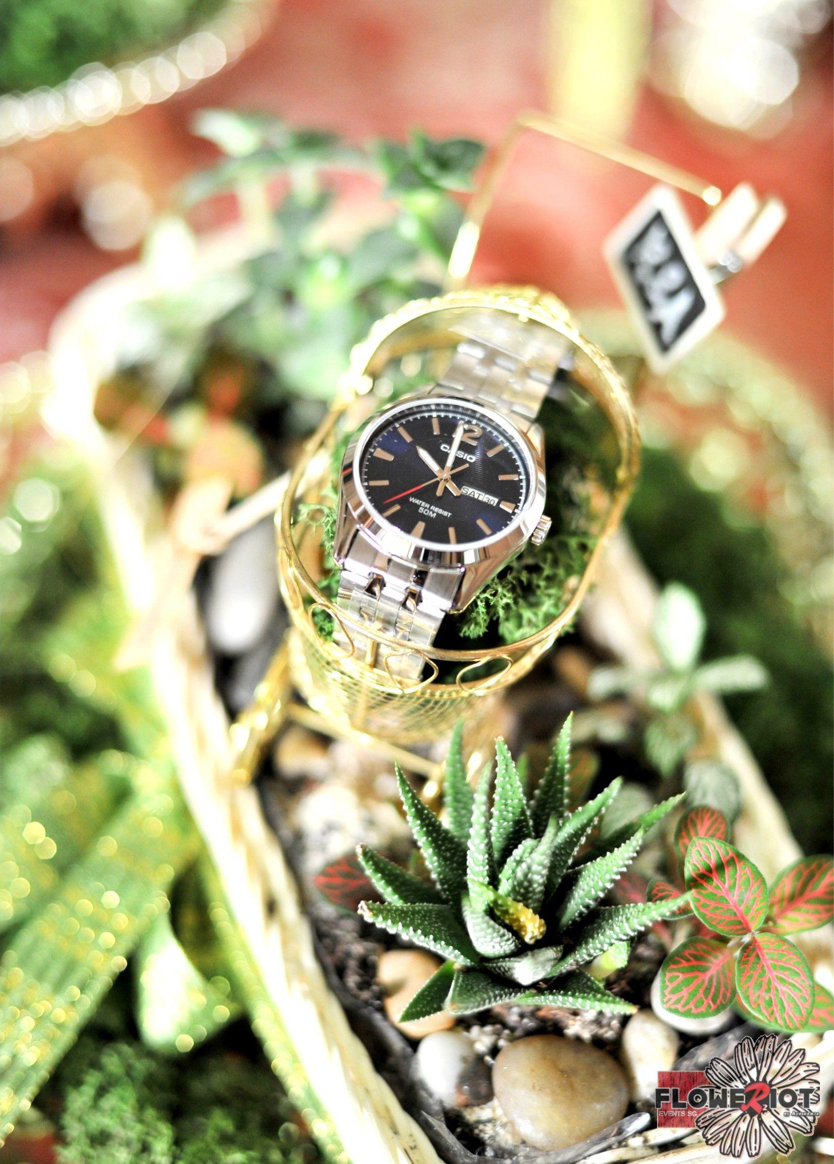 Succulent Garden, Displaying Watch, As Wedding Gift Or Hantaran Tray.
