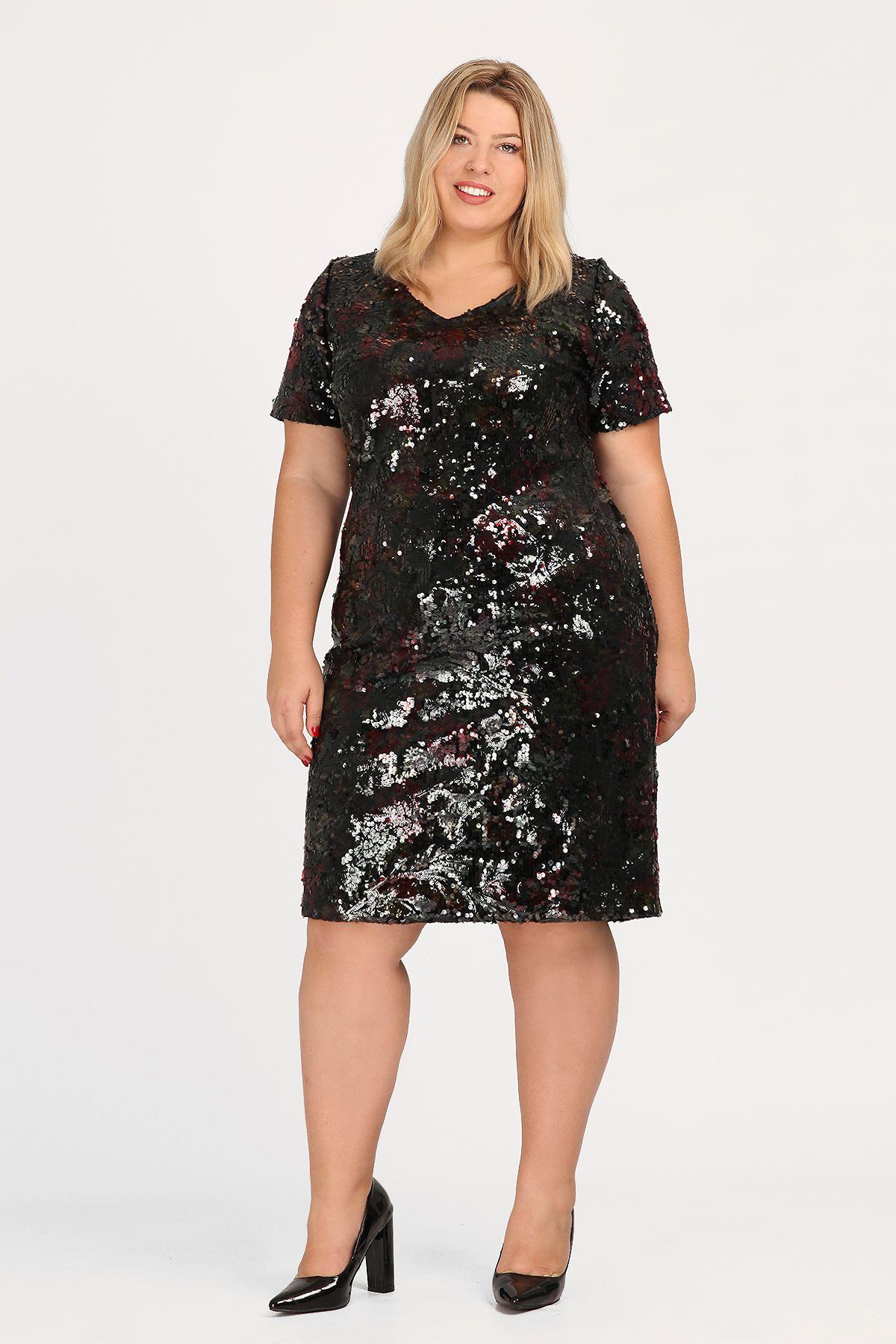 e4f2502c6ac0 Κοντομάνικο φόρεμα, φλοράλ, σε ίσια γραμμή, από ελαστική παγιέτα. Στρογγυλή  λαιμόκοψη και