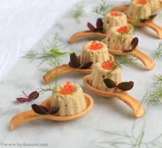 Opskrift på tunmousse serveret i små spiselige skeer #tapasideer