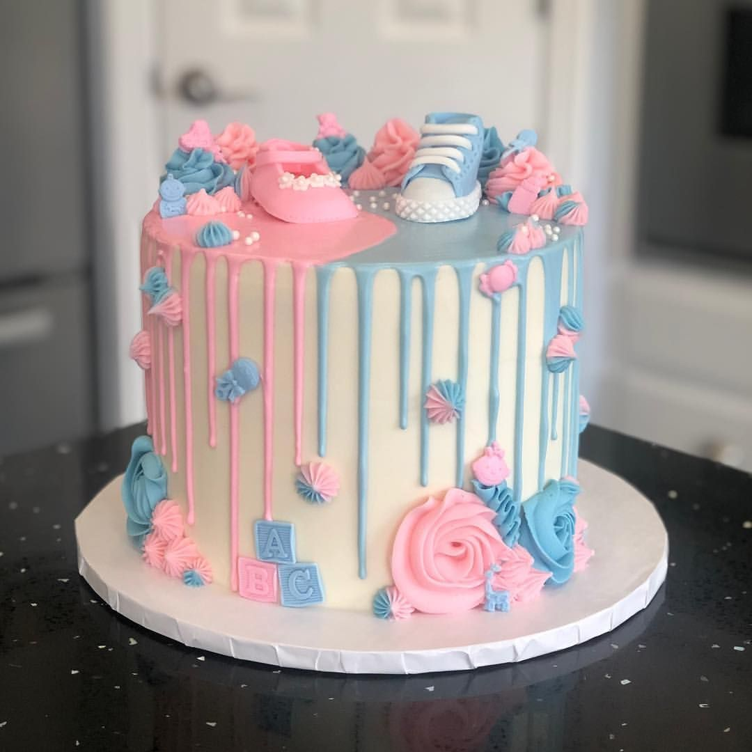 Steph Roxie On Instagram Gender Reveal Cake And Cupcakes Really Cute Eh Gender Reveal Cake Baby Reveal Cakes Baby Shower Gender Reveal Cake