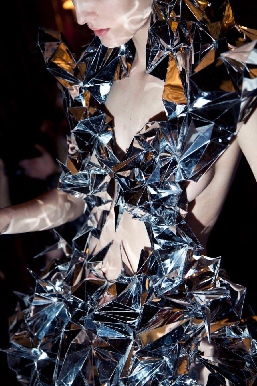 Iris Van Herpen Mirror Dress Fashion Iris Van Herpen Fashion Design