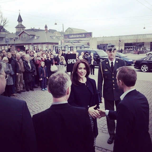"""""""Kronprinsessen ankommer ved Den Frie #denfrie #denfrieudstillingsbygning #Grønningen #julilæum"""""""