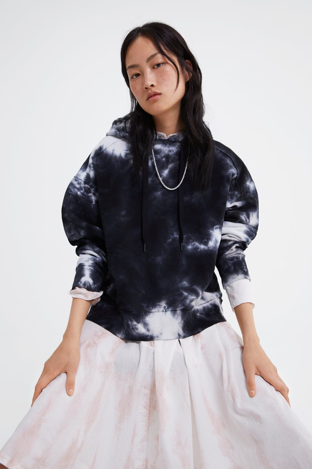 Image 2 Of Tie Dye Sweatshirt From Zara Tie Dye Sweatshirt Tie Dye How To Tie Dye [ 1536 x 1024 Pixel ]