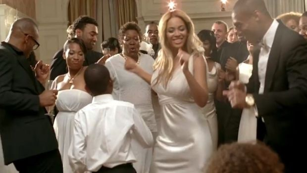 Beyonce In Vera Wang S Velvet Roses Dress In Best Thing I Never