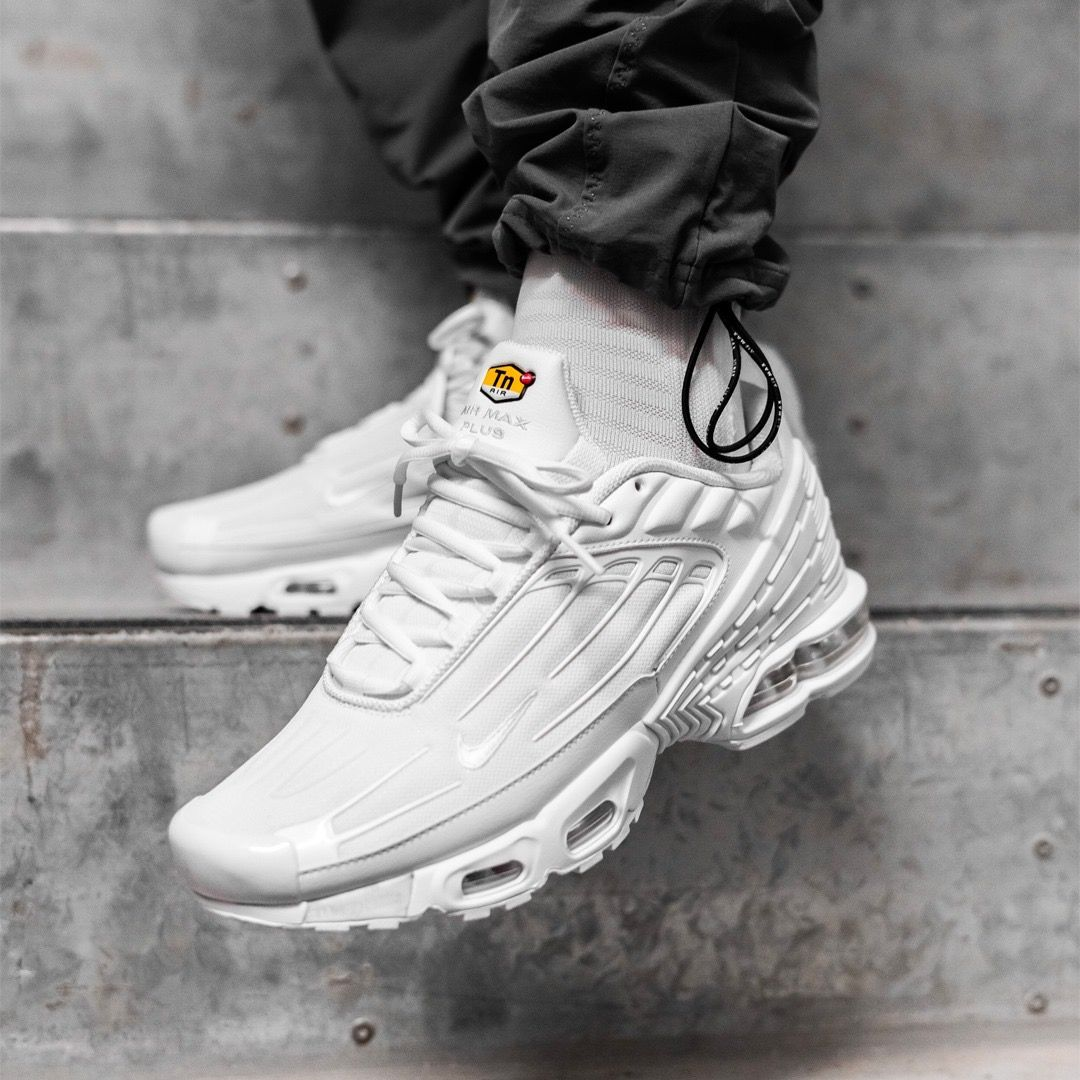 Pin on Sneakers: Nike Air Max Plus