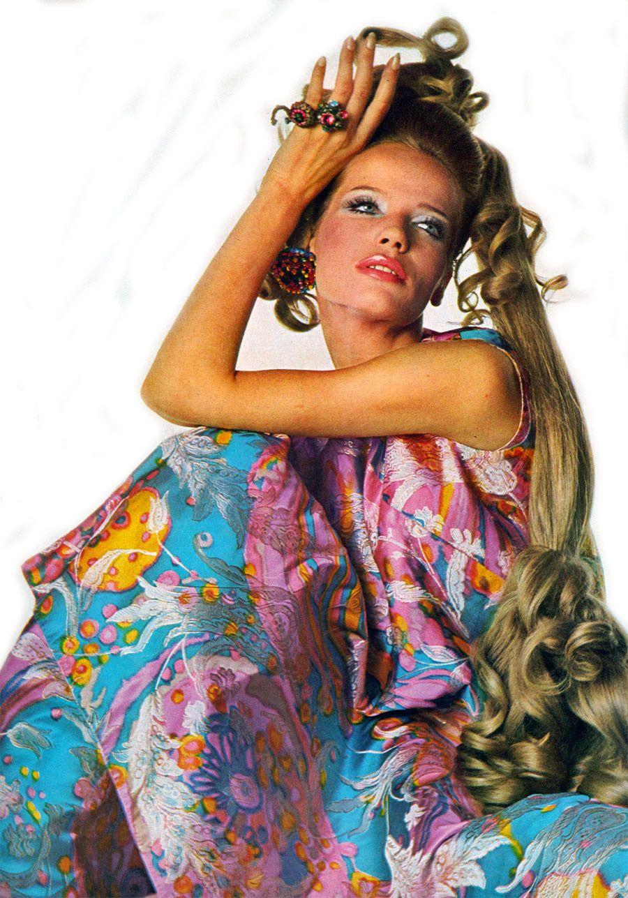 Veruschka in Vogue #vintage #fashion