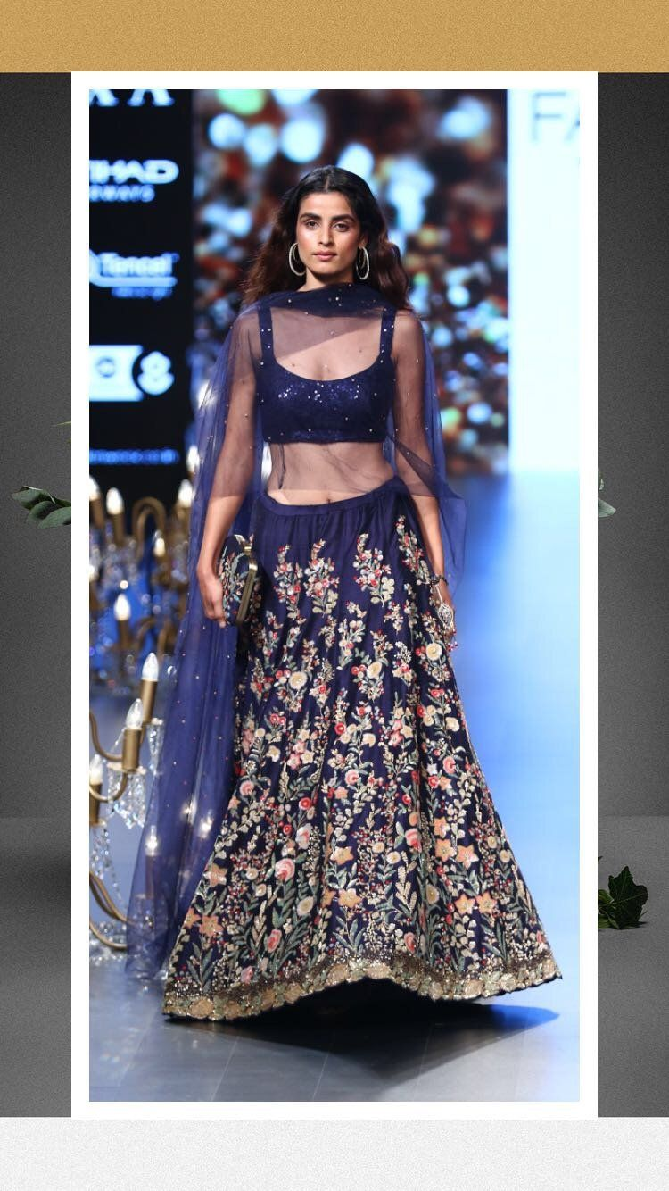 Bhumika shyamal lfw winter festive forecasting to wear in spring in 2019
