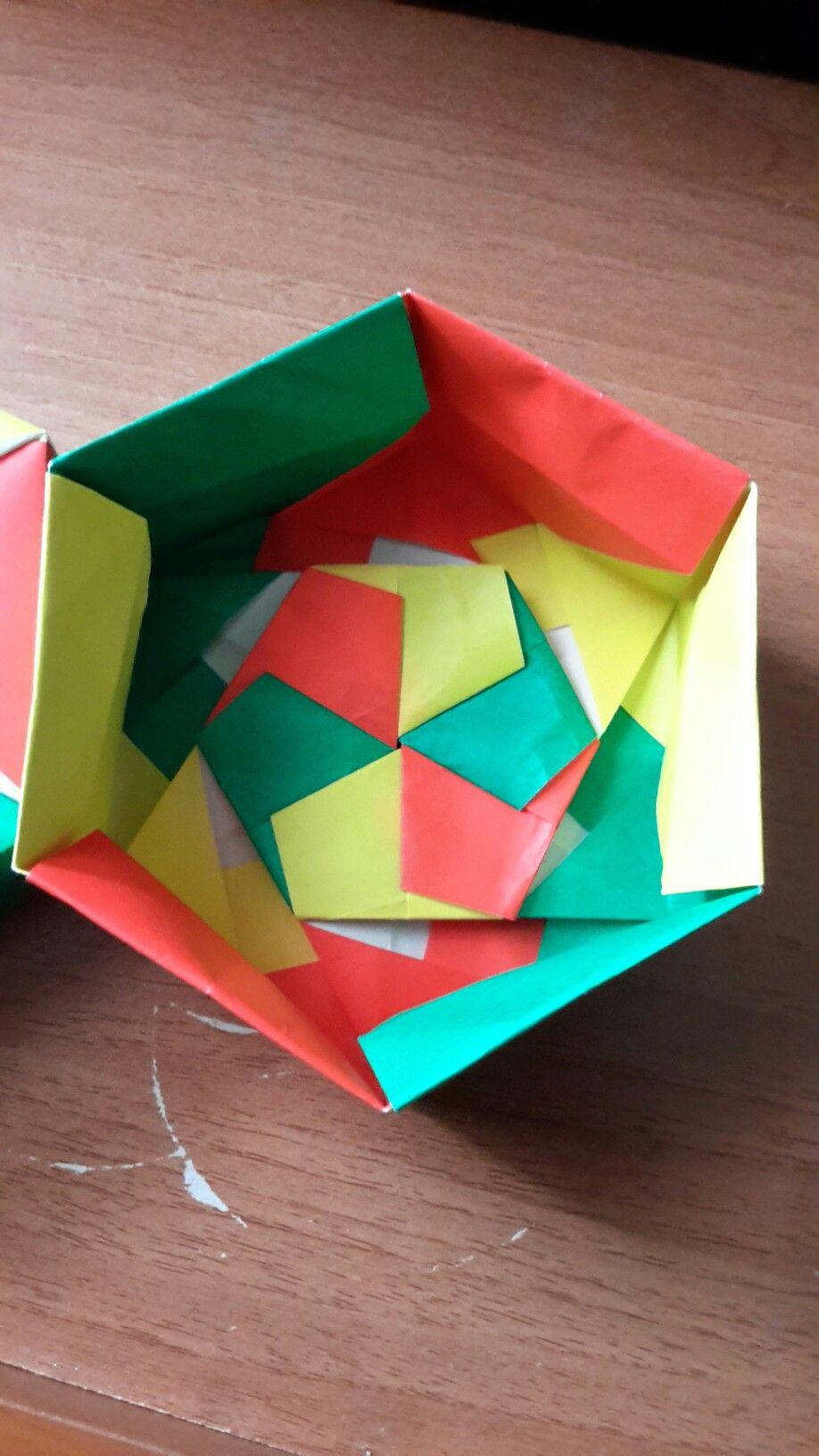 Hexagon box - Tomoko Fuse