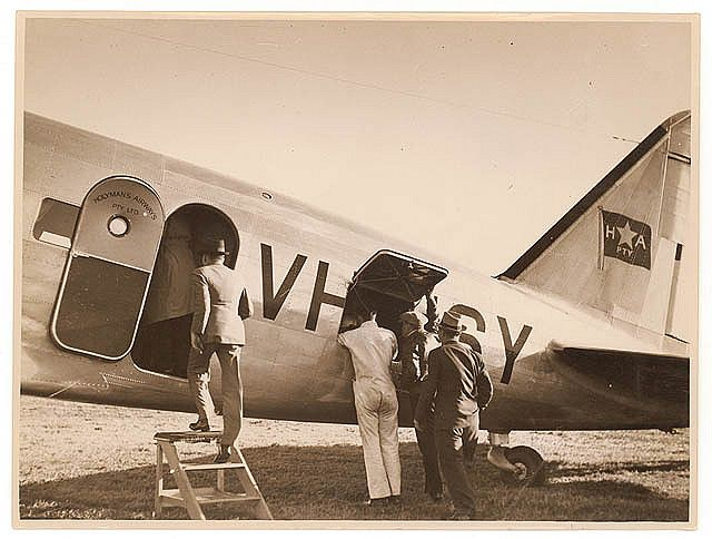 """Royal Mail DC-2 """"Bungana"""" VH-USY of Holyman's Airways, ca. 1936 / photographed by Sam Hood 