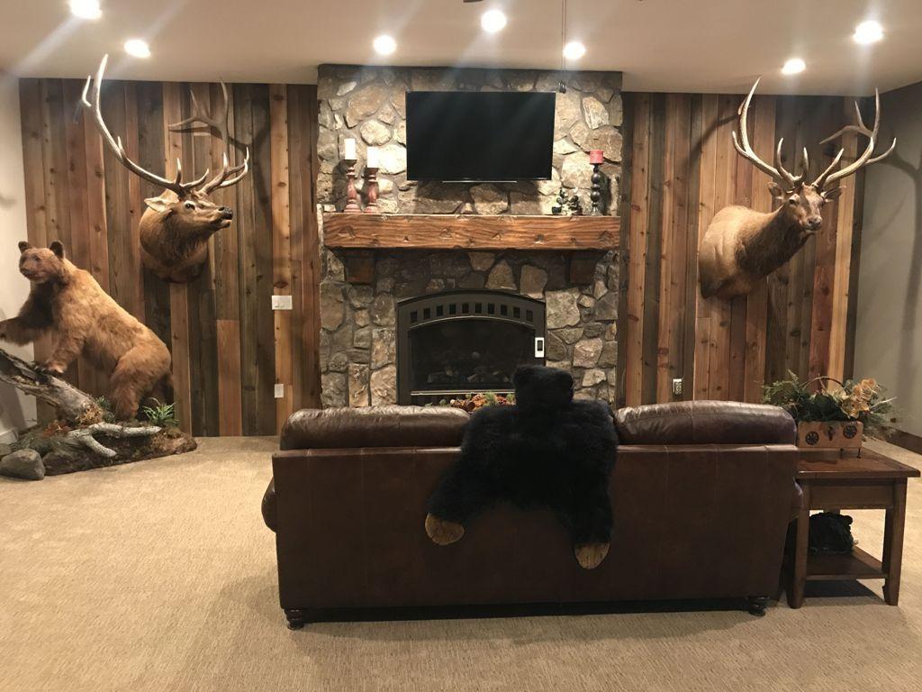 Nice 35 Fabulous Elk Decor Ideas For House More At Https Homyfeed Com 2019 05 08 35 Fabulous Elk Decor Id Rustic Man Cave Man Cave Basement Hunting Man Cave
