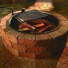 Wie man eine Feuerstelle im Freien baut
