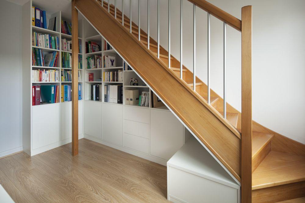 placard sous escalier sur mesure paris nantes vannes lorient meuble sous escalier sous. Black Bedroom Furniture Sets. Home Design Ideas