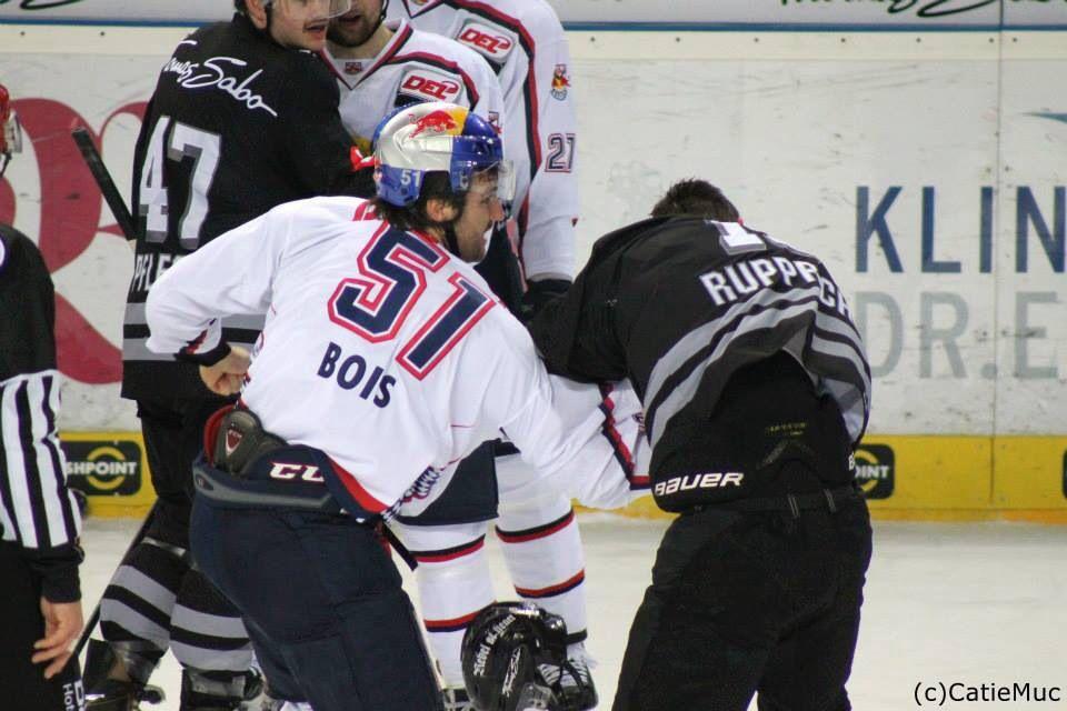 Red Bull Munchen Vs Nurnberg Ice Tigers Www Facebook Com Hockeymomentsta Eishockey Munchen Hockey
