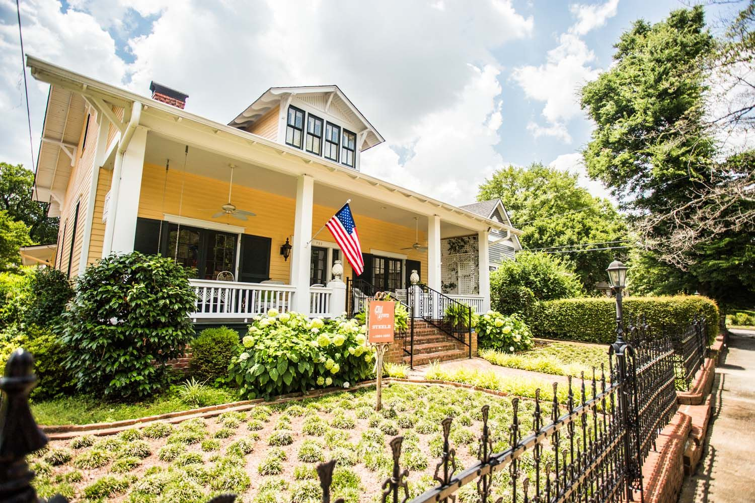 Old Town Huntsville Alabama With Images Craftsman Bungalows