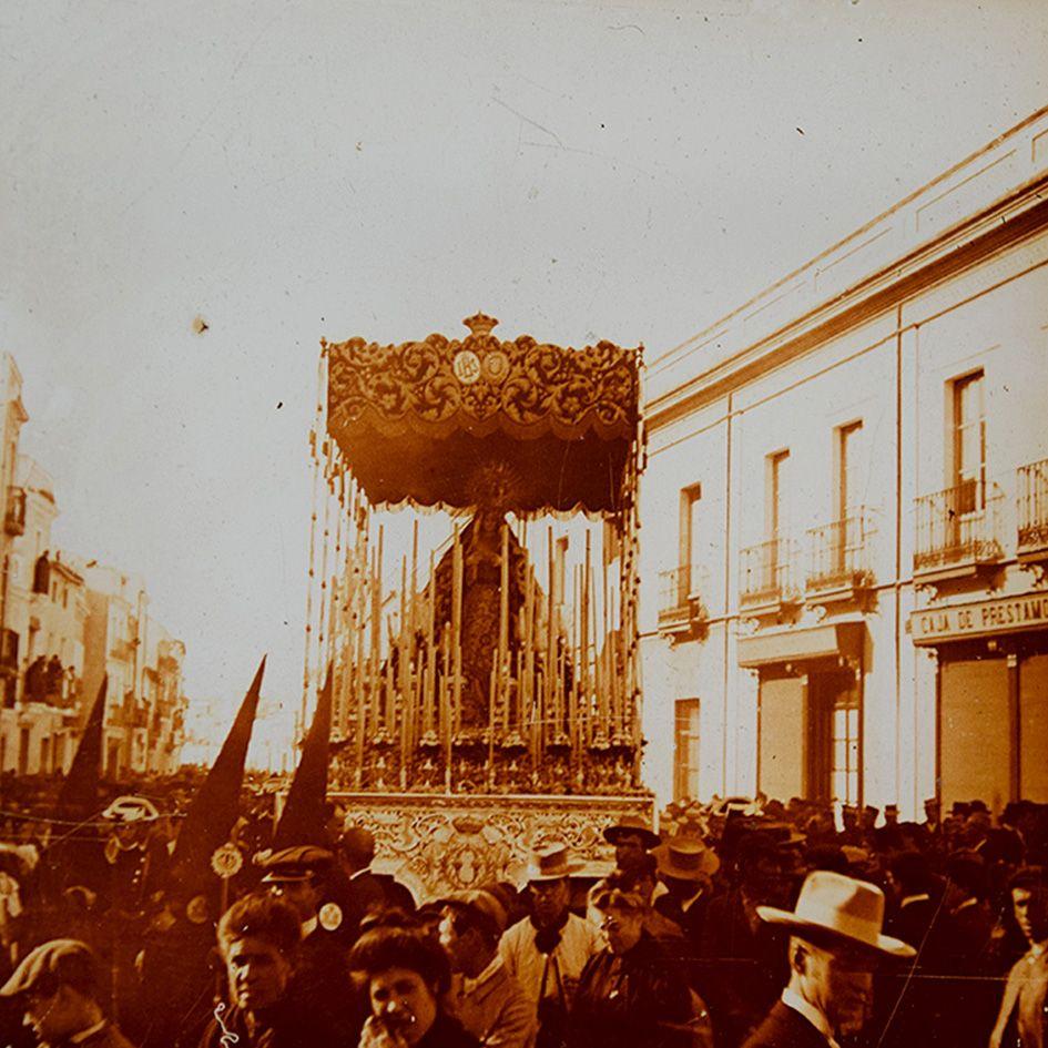 Nuestra Sra De La O Semana Santa Sevilla Fotografía Religiosa Virgen De Los Angeles