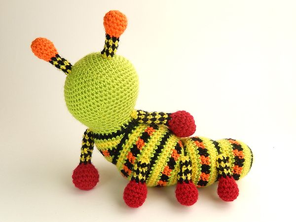 Amigurumi Caterpillar : Katie the caterpillar amigurumi pattern by janine holmes at moji