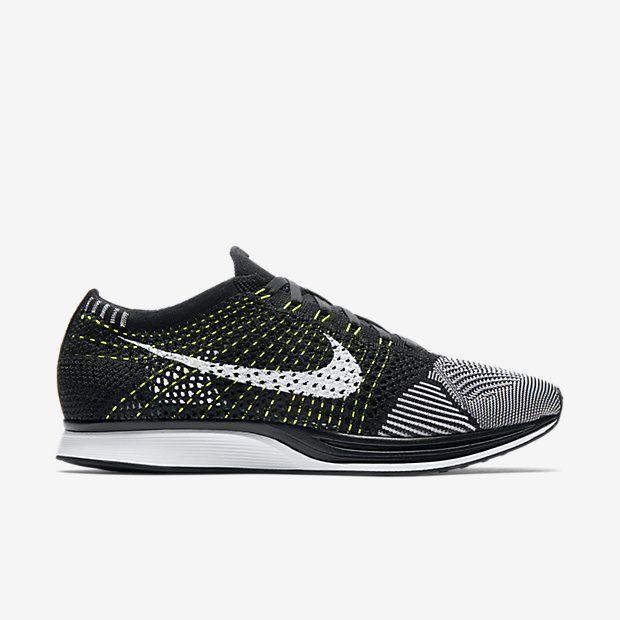 Chaussure de running mixte Nike Flyknit Racer pas cher(pointure Homme)  Noir/Blanc