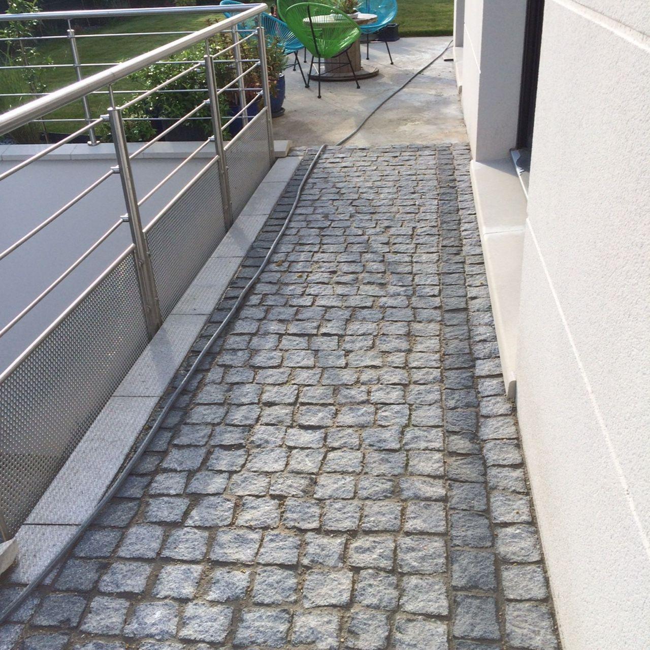 revetement passerelle en paves de granit du portugal chemin bordures pinterest granit. Black Bedroom Furniture Sets. Home Design Ideas