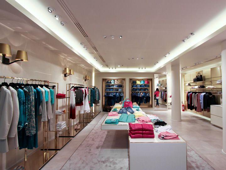 LIU•JO store by Christopher Goldman Ward, Reggio Emilia Italy ...