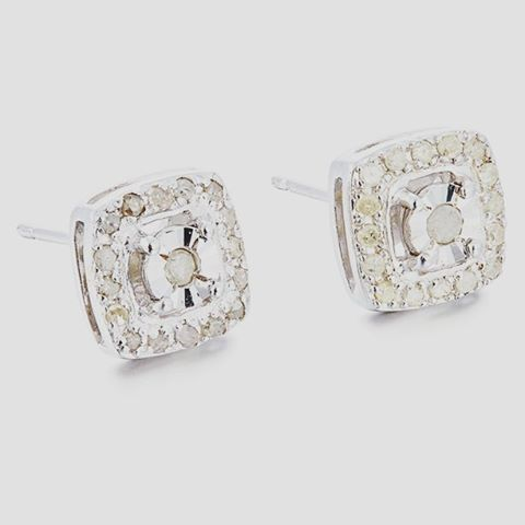 #Diamantohrringe #Charlesia #Ohrstecker mit echten #Diamanten (0,2 Karat/Paar). #Sterlingsilber. Maße ca. 0,8x0,8 cm.  #avon #kosmetik #schmuck #ohringe