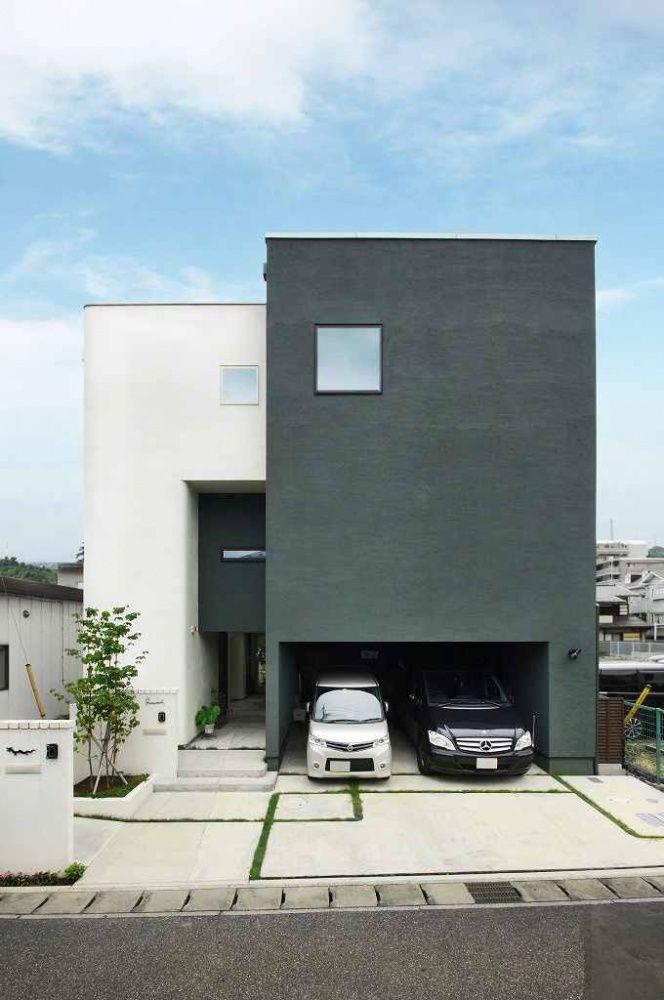 贅沢ガレージの家 ハスカーサ Hascasa ガレージのある家