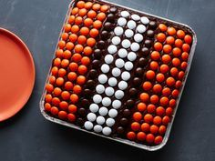 Cleveland Browns : Brownies are the obvious choice for this North division team. Decorate a purchased pan of iced brownies with colored chocolate candies for an easy, impressive halftime treat.