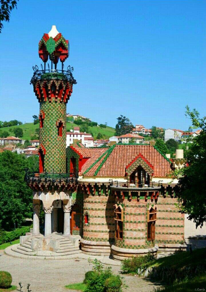 La Villa Quijano, popularmente conocida como El Capricho ...