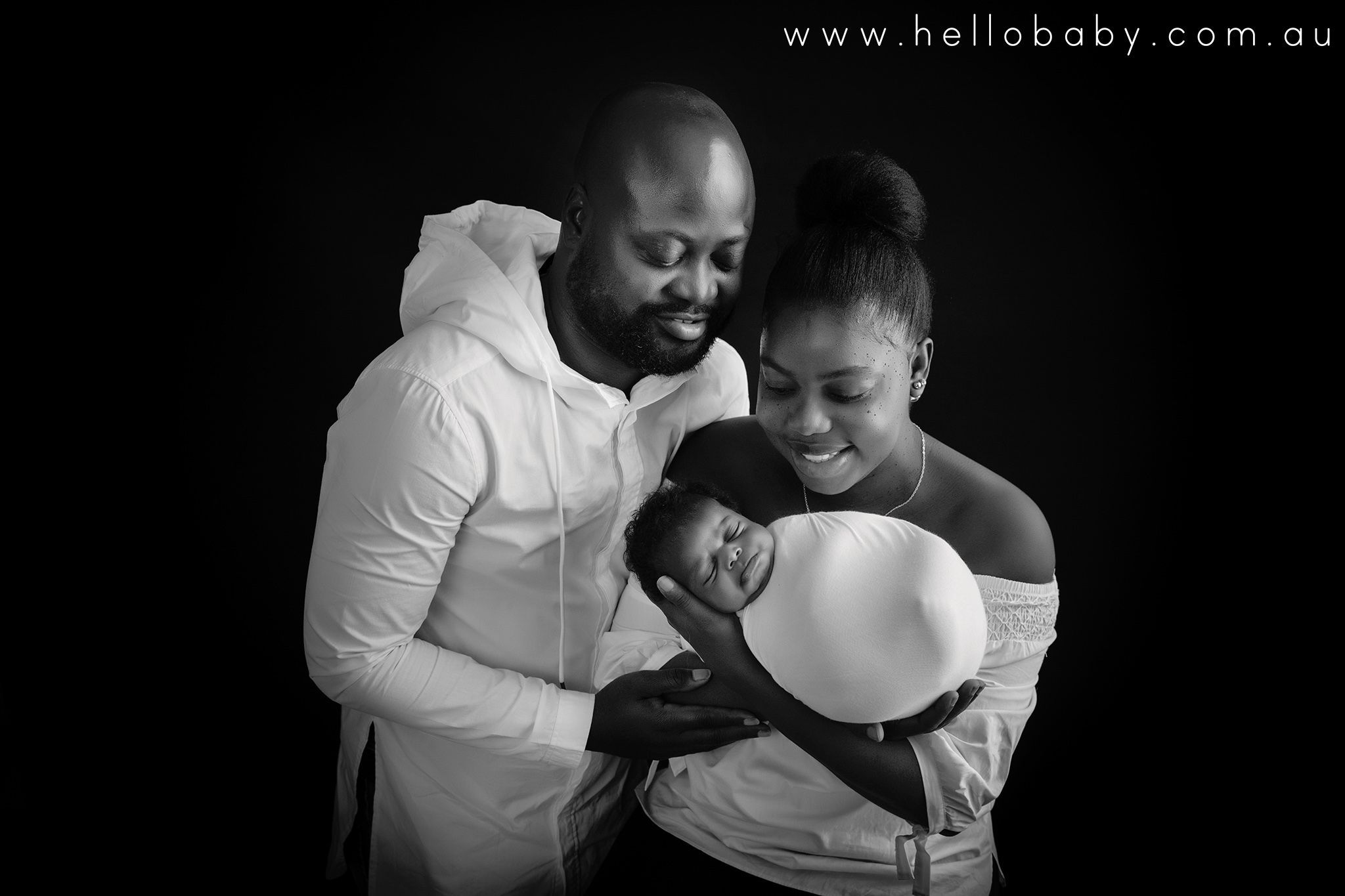 Newborn poses wrapping newborn photography hellobaby 🏆 award winning flat rate service 🙋 6 staff 🏠 2 studios founder of the international newborn