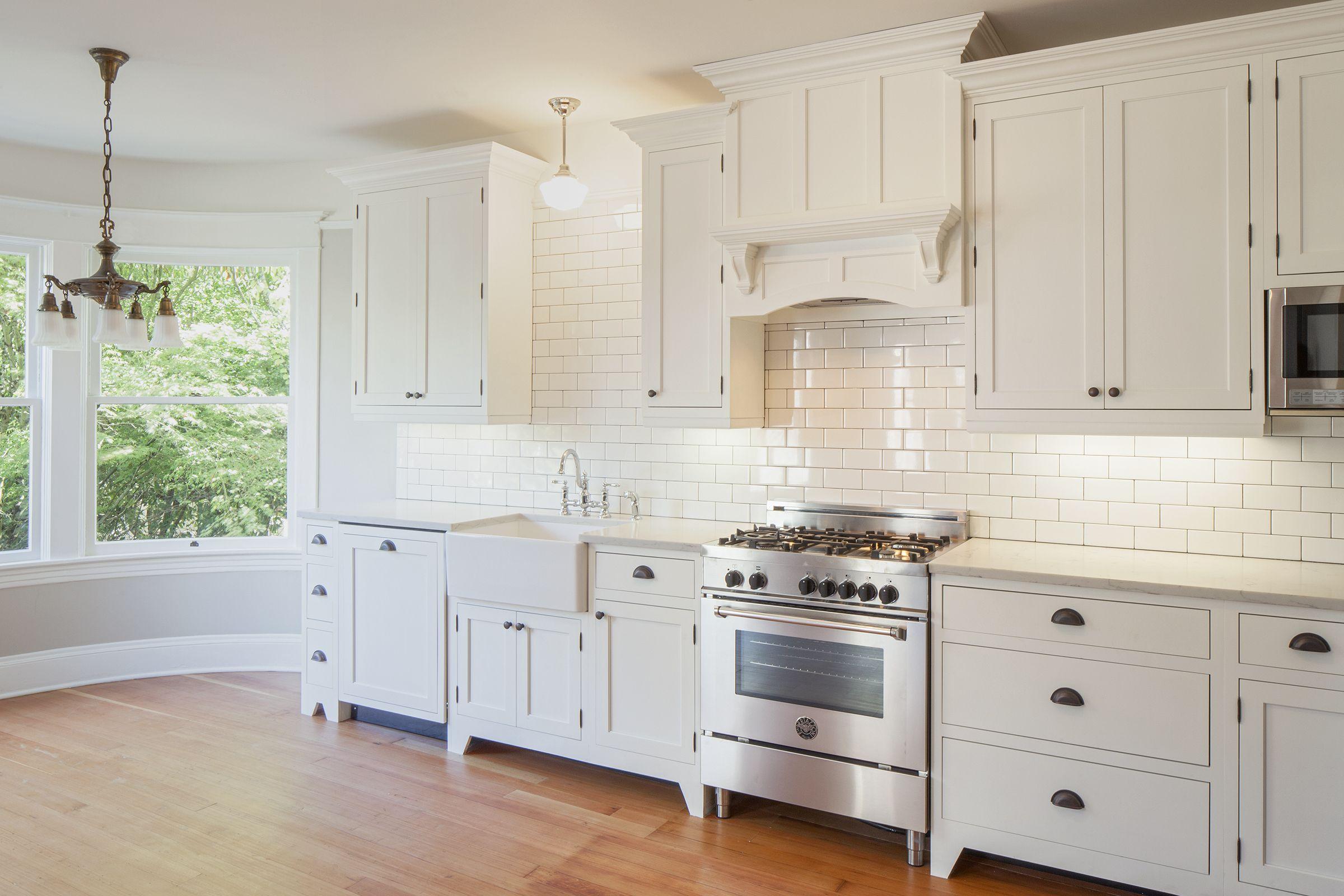 Modern White Loft Aprtment Kitchen R H Construction Kitchen Kitchen Cabinets White Loft