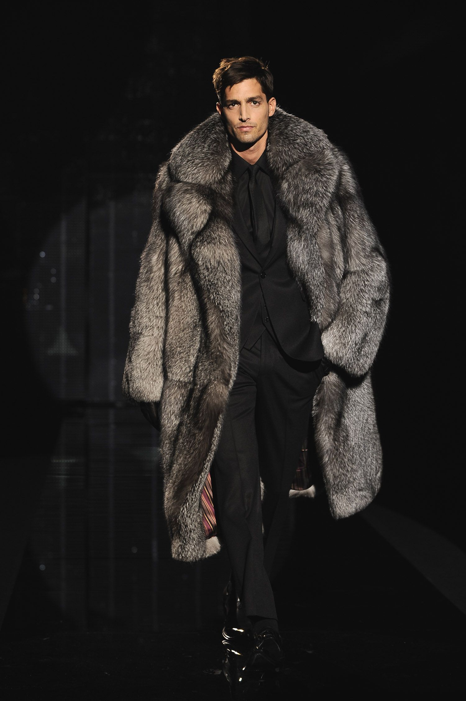 Fur Coats For Men Men s coat trends w 13-14    Fur (fourrure) b14ecdabac2