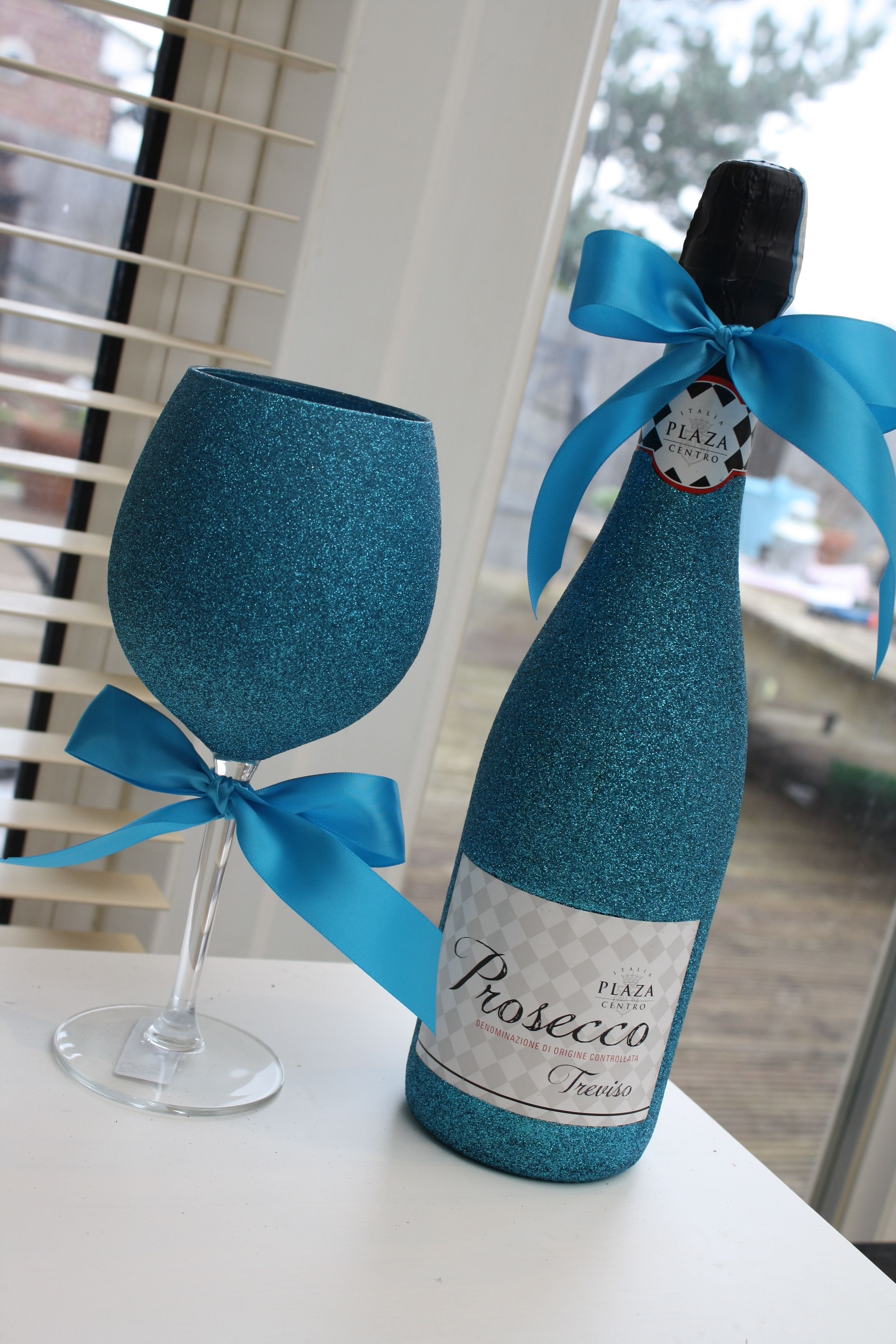 Communication on this topic: Blue Prosecco Is Set to Be This , blue-prosecco-is-set-to-be-this/