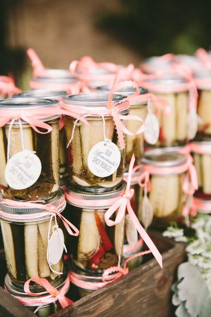 17 Unique Wedding Favor Ideas that Wow Your Guests Wine