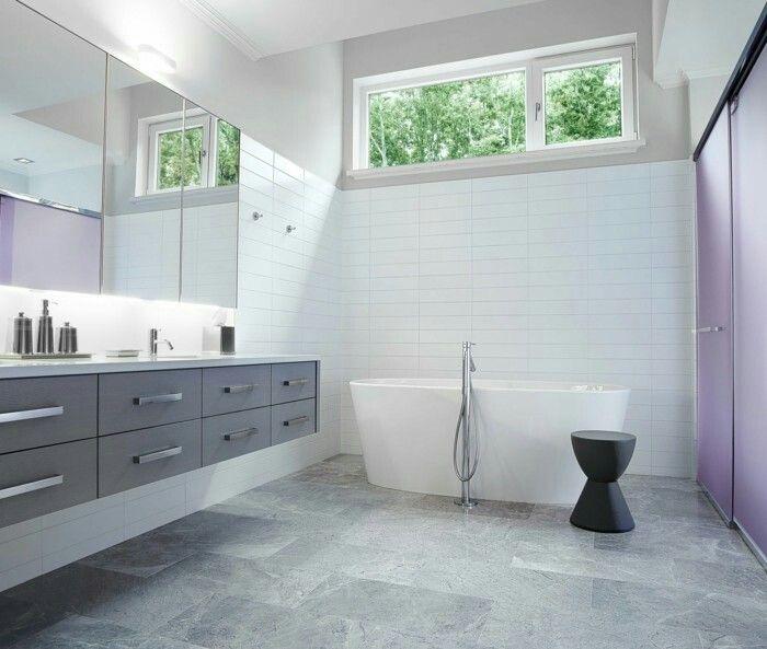 Badezimmer Graue Fliesen Und: Badezimmer Innenausstattung