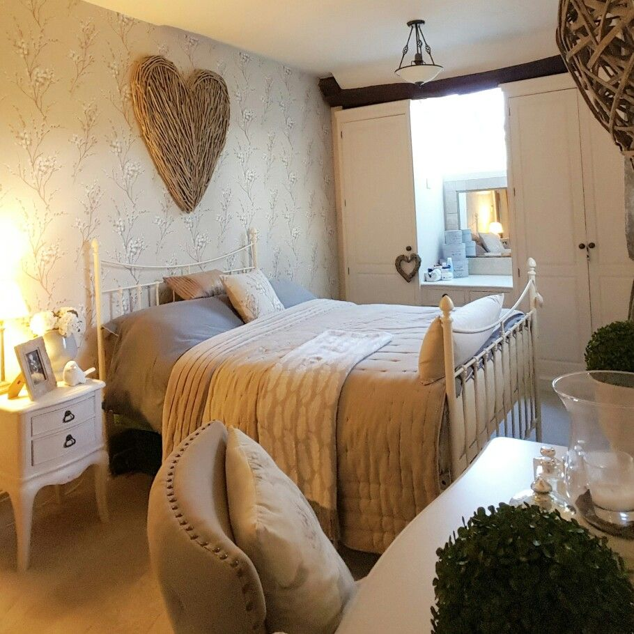 Best Bedroom Laura Ashley Wallpaper Extra Large Wicker Heart Feeling Cosy Country Bedroom 400 x 300