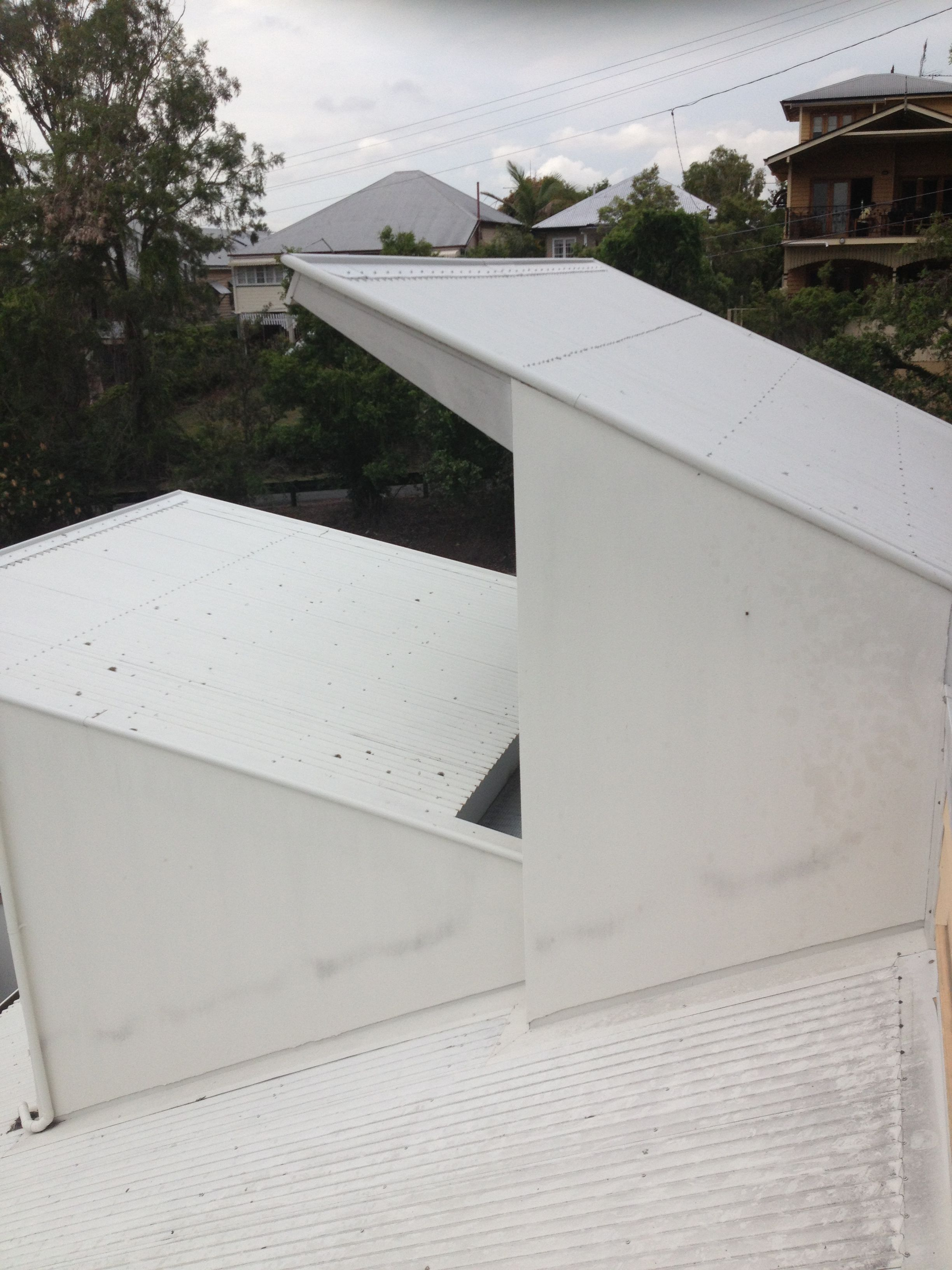 Steep Tin Roof Before Cleaning Don T Risk Climbing On You Roof Call Us Today For A Free Quote 07 3399 4951 Www Completeclean Com Au Roof Cleaning
