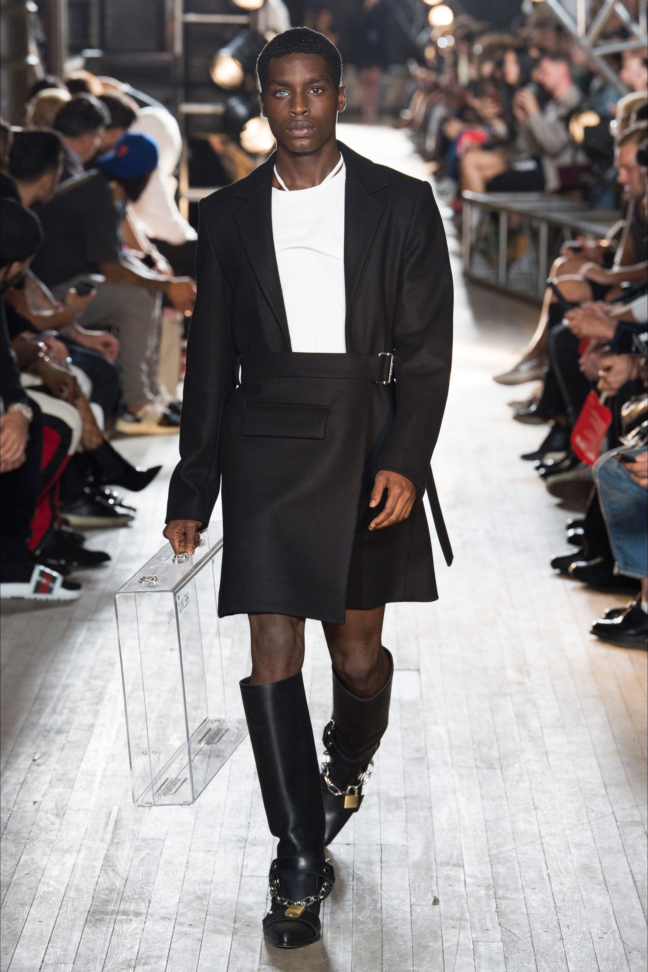 bf904191d0a5 Sfilata Helmut Lang New York - Collezioni Primavera Estate 2018 - Vogue