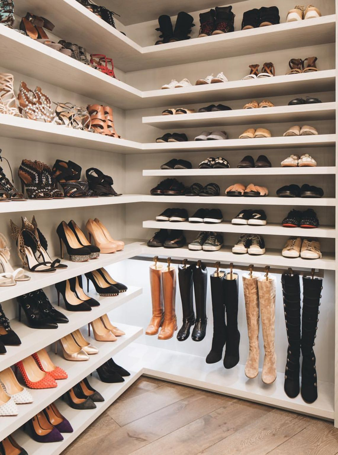 Pinterest: DeborahPraha ♥️ shoe closet dream #closets #ideas ...
