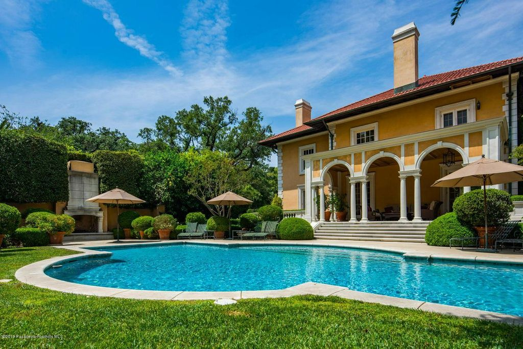 Carrington Mansion Dynasty Zillow Mansions, Outdoor