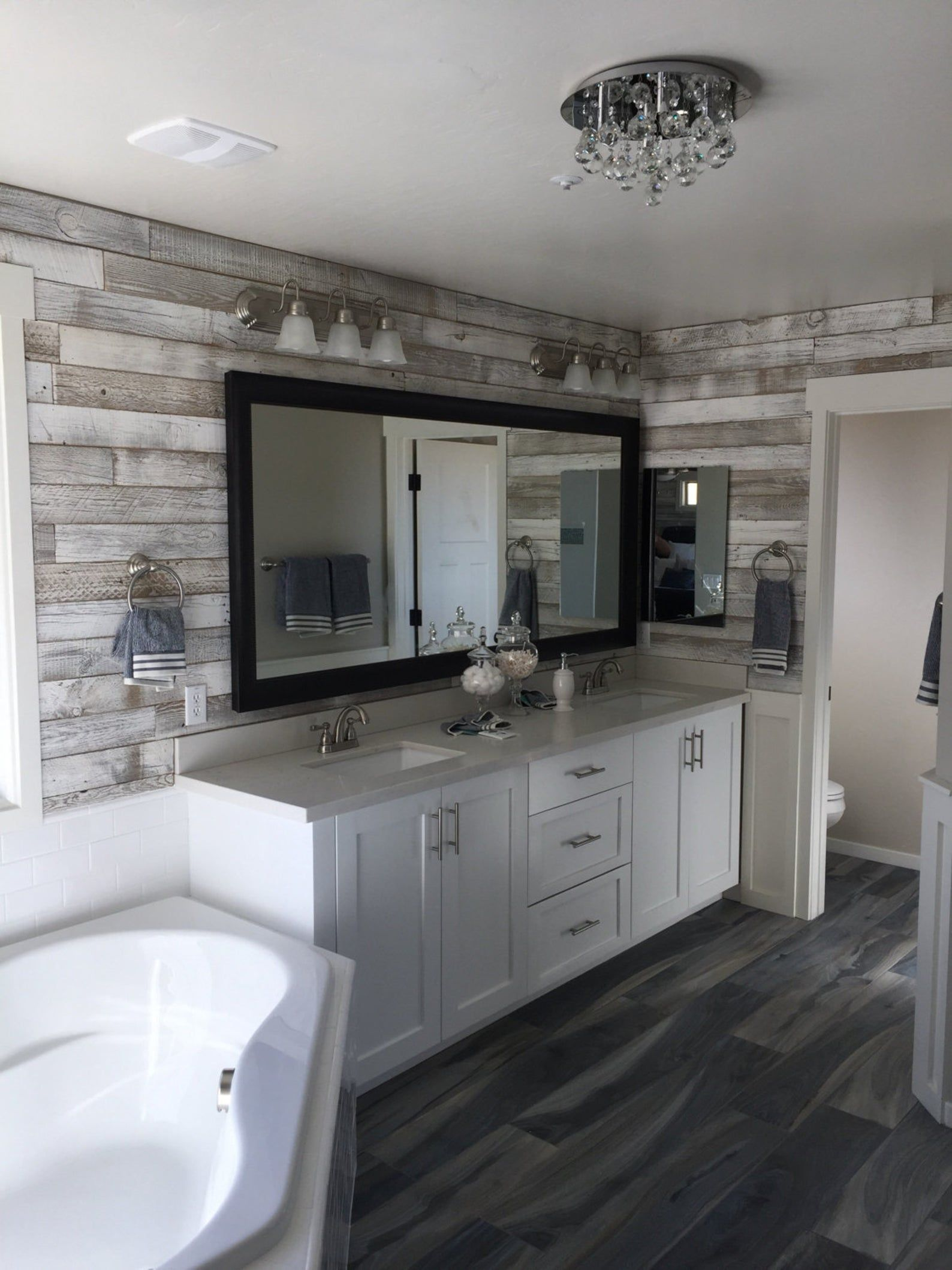 Reclaimed Wood Wall Paneling White Washed 1 Sqft In 2020 Reclaimed Wood Wall Panels Bathroom Remodel Master Reclaimed Wood Paneling