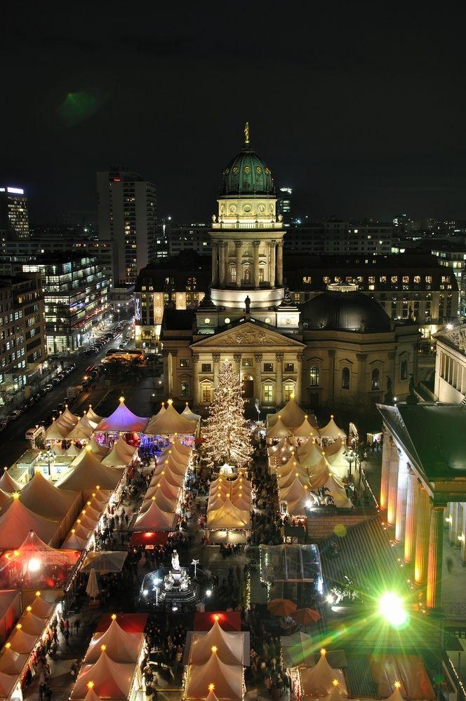 Weihnachtsmarkt Berlin 2019.Berliner Weihnachtsmarkt Gendarmenmarkt Bild Foto Von Uschr