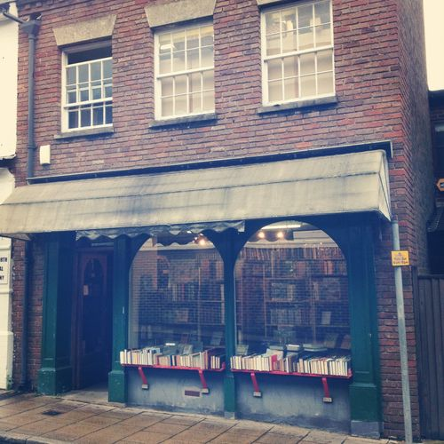 this old bookshop really fascinates me every time I walk past it