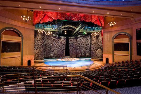 Bellagio O Show >> O Stage Random Bellagio Vegas Vegas Las Vegas