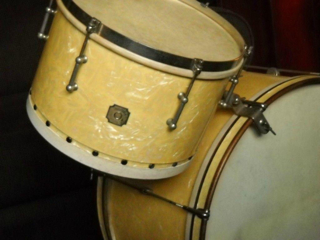 24 best Vintage and Modern Drums images on Pinterest | Drummers ...